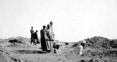 Photograph of excavations in the cemetery at Harageh. From Dr Amsden photograph album. Petrie Museum Archives