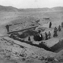 Photograph of work being carried out at Perabsen's tomb at Umm el-Ga'ab. Naville et al. 1914: plate XX fig. 1.